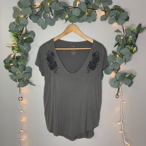 5/$15 AEO Flower Embroidered Short Sleeve Top szS